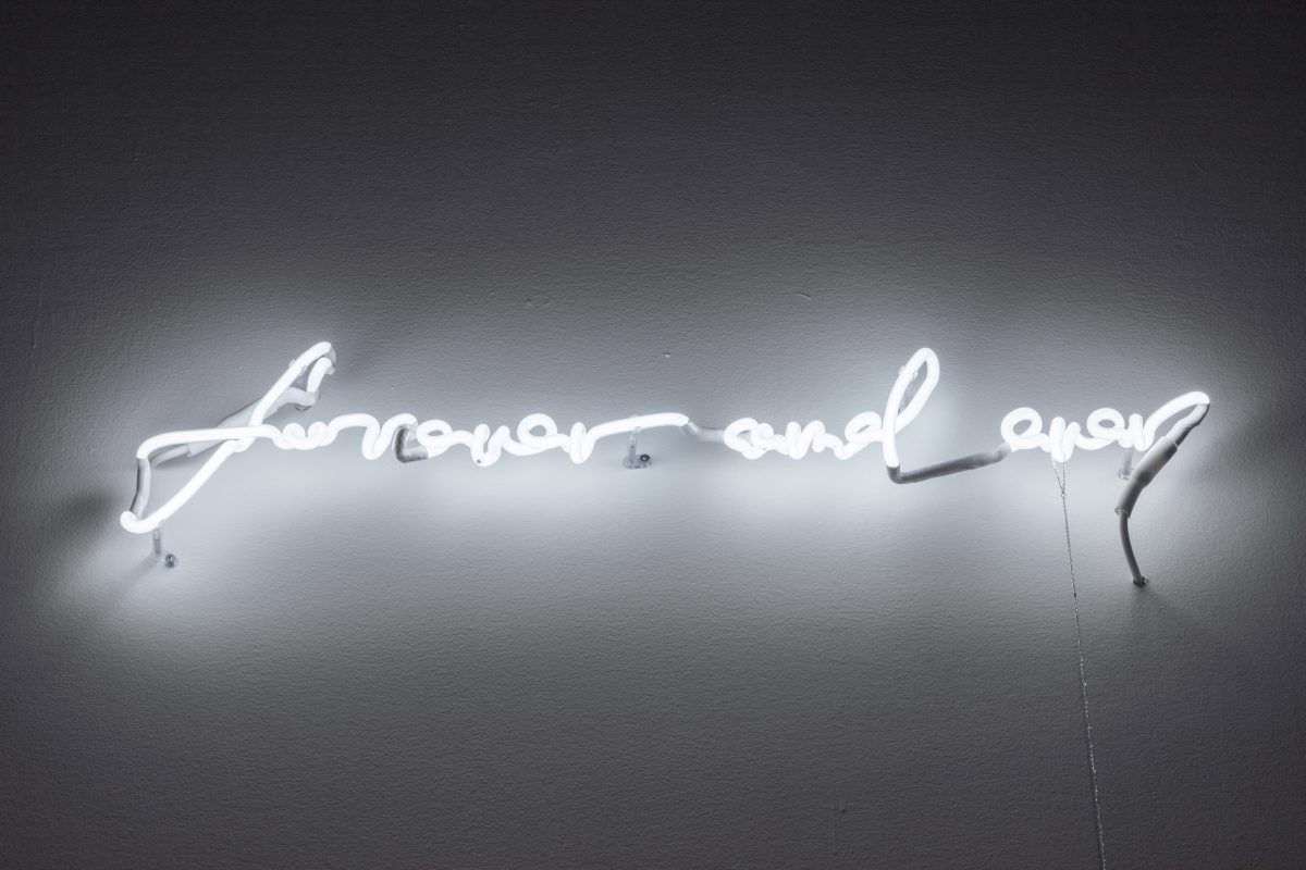 Steven Beckly, forever and ever, 2019 (detail), Neon, silver chain and colour transparency